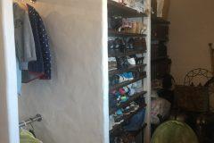 玄関横の和室を改造して、納戸とシューズクロークを作りました。